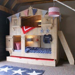 bunk bed jongen