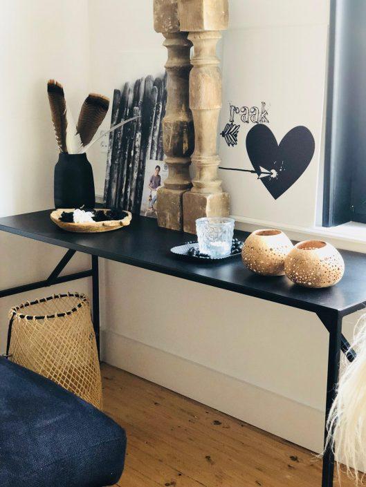 stoer hotel in Nederland sidetable woonkamer