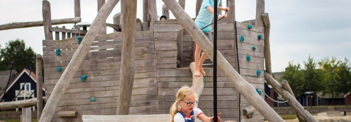 hof van saksen met kinderen zomerzoen speeltuin