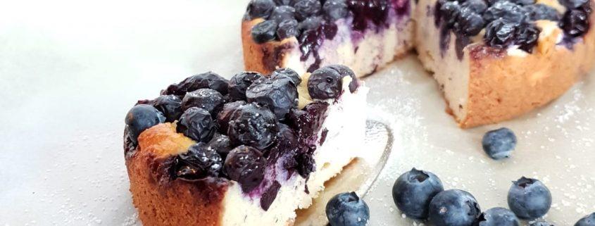 waarom koolhydraateten eten ontbijtbowl bosbessencake