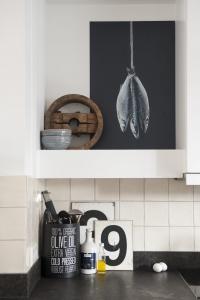 Houten keuken met betonnen blad kopen eitje
