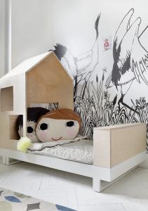 triplex in de kinderkamer bedhuisje